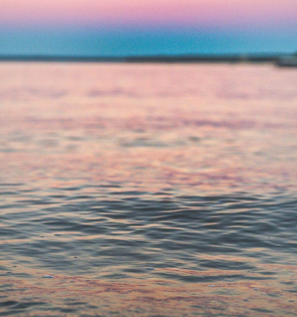 It's the gaps between the waves that makes the tones we hear realizable . . . . . . #artofvisuals #visualsofearth #untoldvisuals #heatercentral #potraitcentral #aov5k #earthguide #fatalframes #unlimitedplanet #ig_color #ig_masterpiece #ignewengland #creativeunleashed #panasonic #exploreourearth #vol1k #acreativevisual #sunsetchasers #hues #igersnewengland #toneseekers #hubs_united #superhubs #moodygrams #visualambassadors #mft #leica #lumix